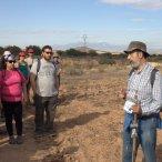 El profesor Ignacio Manteca durante su charla a los excursionistas