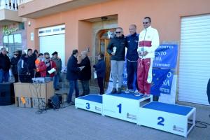 22k Cat. veteranos masculino. 1º Antonio Quiles, 2º Antonio Serraño y 3º Carlos Ortiz. Entrega Eduardo Armada del Patronato de Deportes