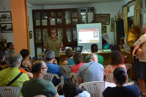 """Miguel Angel Esteve, profesor de Ecología de la UMU durante la charla """"La Crisis de la Biodiversidad en los Escenarios Global y Murciano"""""""